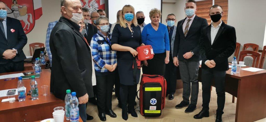 dyrektor Agnieszka Sulkowska wraz z innymi ludźmi